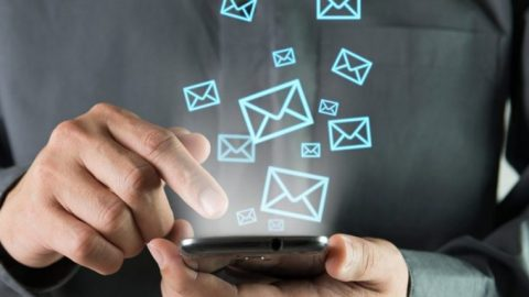 Клиент пишет везде: в скайп, на форум, смски, емэйлы…