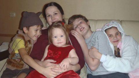 Как мама четырех детей почти на месяц за границу уехала
